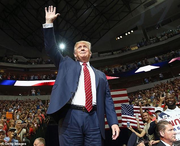 Tin đồn ông Trump sắp được phục chức: Đồng minh lo lắng - 1