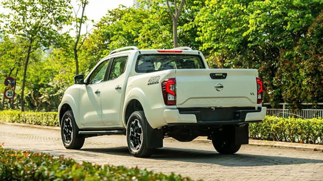 Chi tiết Nissan Navara 2021 phiên bản VL 4WD, giá bán 845 triệu đồng - 4