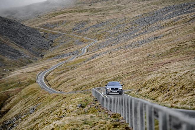 Jaguar I-Pace trong một lần sạc vượt đoạn đường tương đương lên đỉnh Everest - 1