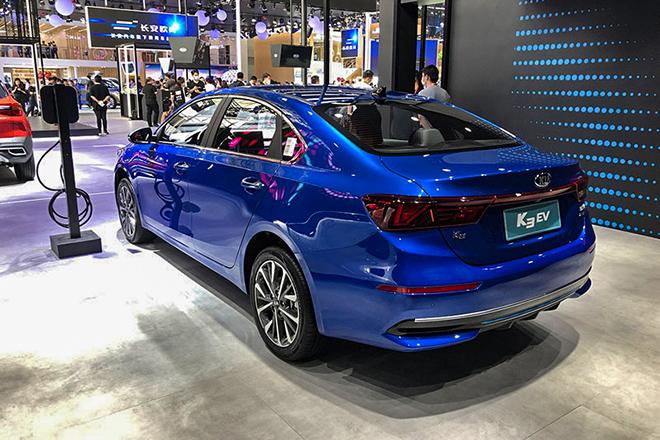 KIA K3 có thêm phiên bản dùng động cơ điện - 3