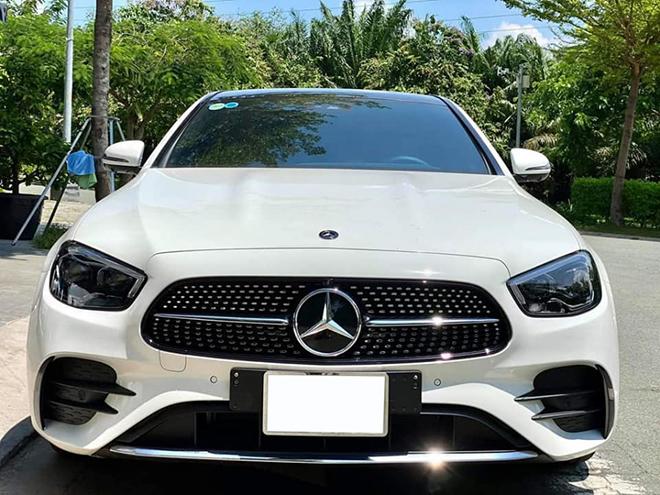 """Mercedes-Benz E 300 AMG 2021 """"chạy lướt"""" bán lại lỗ trăm triệu - 3"""