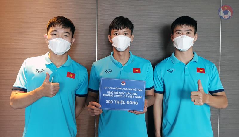 Thắng đẹp Indonesia, ĐT Việt Nam ủng hộ 300 triệu vào Quỹ vắc-xin phòng, chống COVID-19 - 1