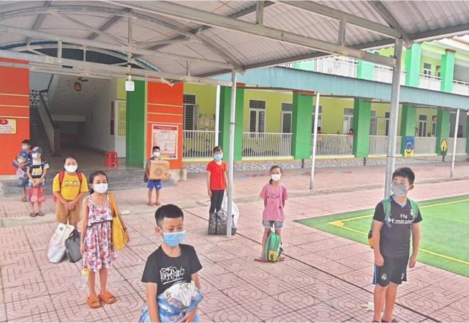 Cách ly tập trung 31 em nhỏ ở Hà Tĩnh - 1