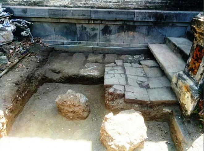 Khai quật tại ngôi điện đặc biệt có 13 đời vua Nguyễn đăng quang: Nhiều xuất lộ bất ngờ - 1
