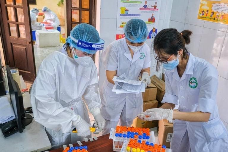 """""""Chu kỳ nhân lên của virus SARS- CoV-2, đối với biến chủng từ Ấn Độ rất nhanh, khoảng 3 ngày"""" - 1"""