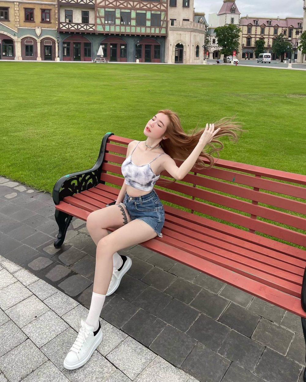Elly Trần không còn mắc lỗi với quần short như xưa - 1
