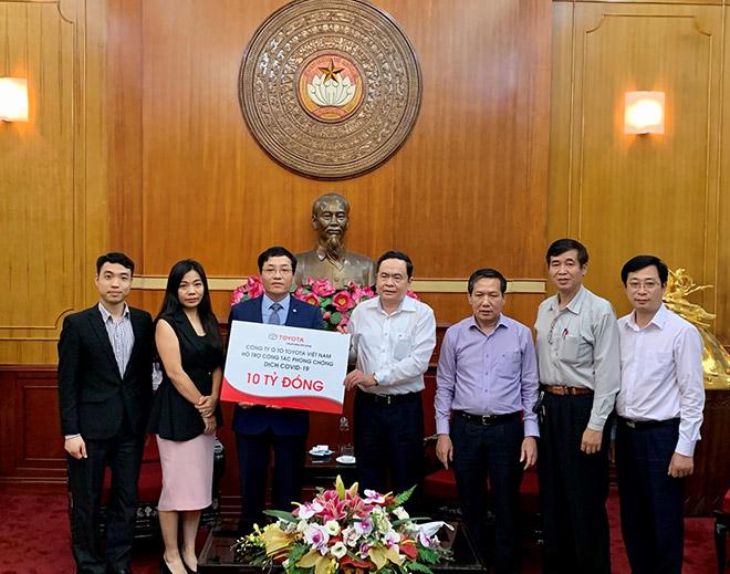 Toyota và hệ thống đại lý ủng hộ Qũy Vắc-xin phòng COVID-19, cam kết đồng hành cùng người dân chống dịch - 2