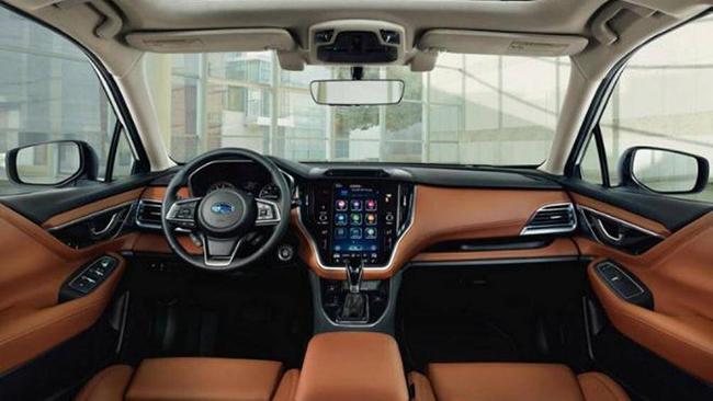 10. Subaru Legacy 2021 (giá khởi điểm: 22.895 USD, điểm nội thất: 7,6/10)