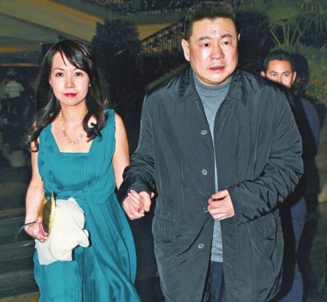 Hậu chia tay, bà mẹ 2 con lột xác trở thành đại gia sở hữu nghìn tỷ đồng - 1