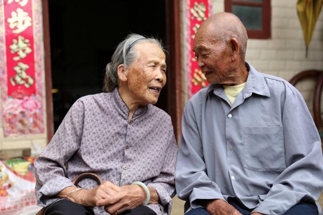 Bí quyết sống thọ của cặp vợ chồng già: nhất định phải ăn 3 món này hằng ngày - 1