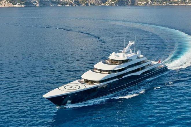 Vén màn bí mật trong siêu du thuyền của tỷ phú giàu nhất thế giới - 1
