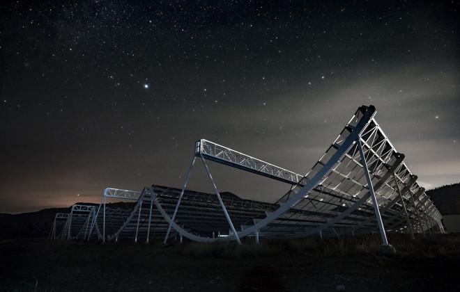 Đài thiên văn Canada nhận hàng trăm tín hiệu vô tuyến lạ từ vũ trụ - 1
