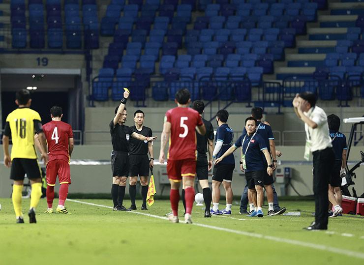 HLV Park Hang Seo bị cấm chỉ đạo, ai cầm quân ĐT Việt Nam đấu trận sinh tử với UAE? - 1