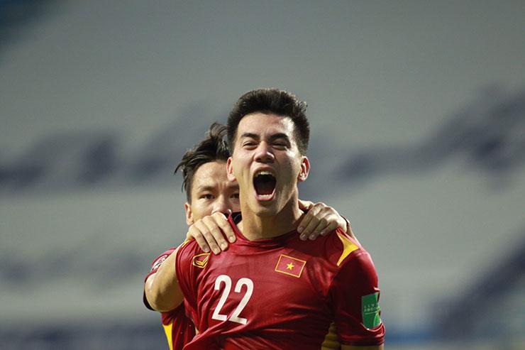 Con trai ghi bàn giúp ĐT Việt Nam đánh bại Malaysia, bố Tiến Linh nói gì? - 1