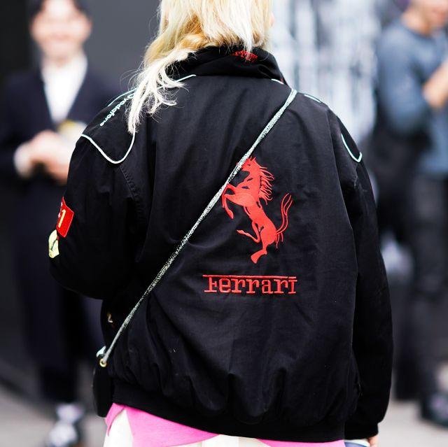Hãng siêu xe Ferrari xâm nhập vào lĩnh vực thời trang đầy bất ngờ - 1