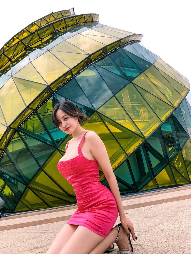 Huyền Anh là hot girl quen mặt trong giới trẻ Việt.