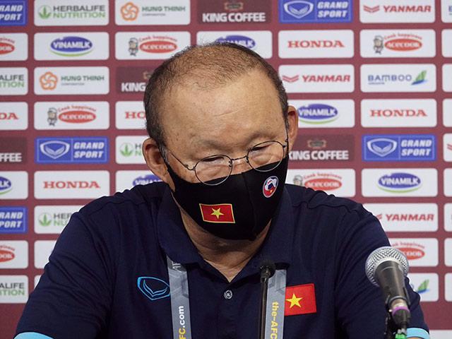 Họp báo ĐT Việt Nam - Malaysia: HLV Park Hang Seo nói về án cấm chỉ đạo trận sau - 1