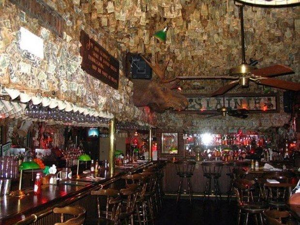 Choáng ngợp với quán rượu được trang trí bằng 2 triệu USD tiền mặt - 1