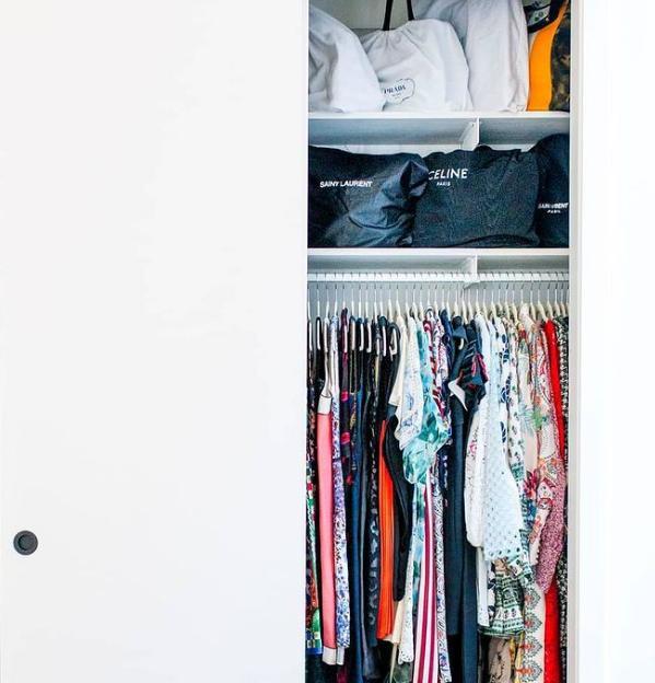 """Dành cho """"hội người lười"""": Cách sắp xếp tủ quần áo vừa nhanh gọn vừa đỡ mỏi lưng - 1"""