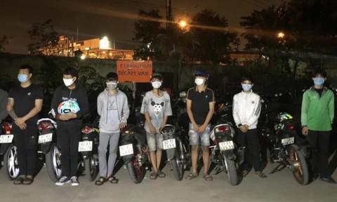 Đồng Nai: Vây bắt nhóm thanh thiếu niên tụ tập đua xe trái phép - 1