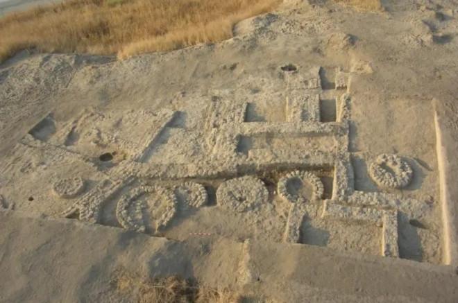 Choáng với thứ như thời hiện đại ở ngôi làng cổ 7.000 năm tuổi - 1