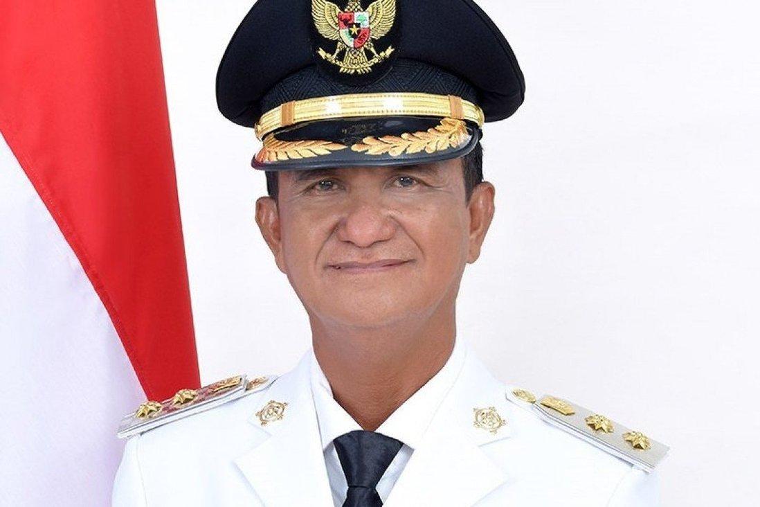 Chính trị gia Indonesia lên máy bay bình thường, 20 phút sau máu trào ra không ngừng - 1
