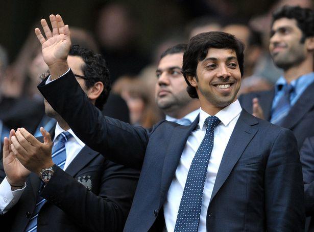 Khối tài sản khổng lồ của hoàng tử UAE siêu giàu đổ tiền tấn vào bóng đá - 1
