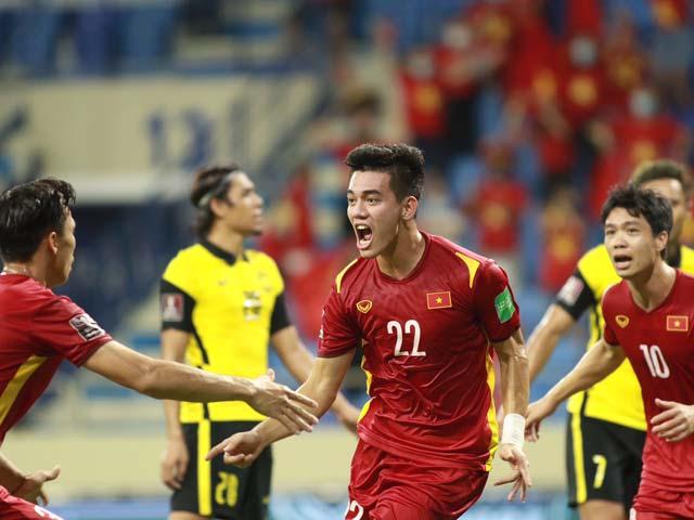 """Tiến Linh cần 1 bàn thắng trước UAE để """"chung mâm"""" huyền thoại Hồng Sơn - 1"""