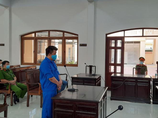 """Đang xét xử Toàn """"đen"""" - giang hồ cộm cán ở Biên Hòa - 1"""