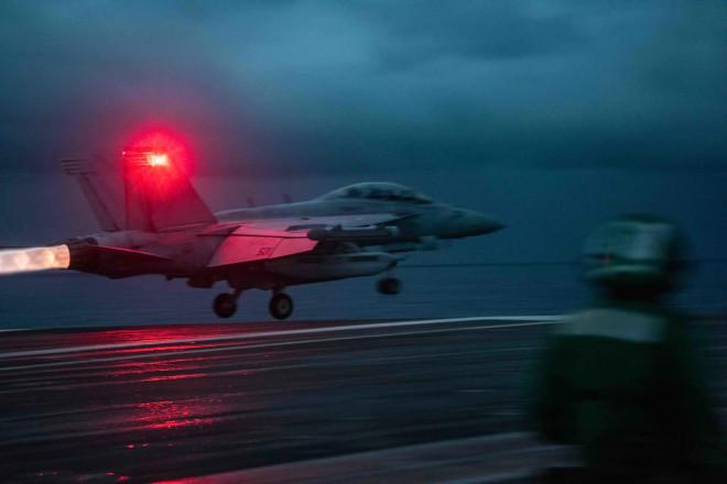 Nhóm tác chiến tàu sân bay Mỹ vào biển Đông - 1