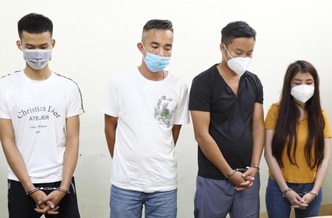 Nhóm nam nữ thuê phòng nghỉ bay lắc, đang phê thì bị bắt quả tang - 1
