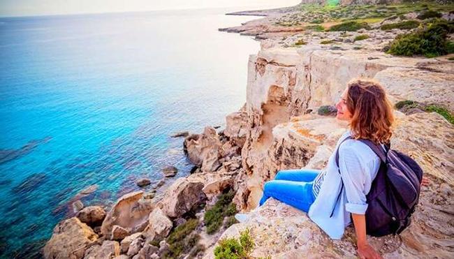 Đảo Síp ở Trung Đông: Đảo Síp được biết đến với vẻ đẹp tinh tế, bao gồm những bãi biển màu mật ong, di tích cổ,rừng rậmthiên nhiên và mọi thứ khác khiến kỳ nghỉ của bạn trở nên đặc biệt nhất.