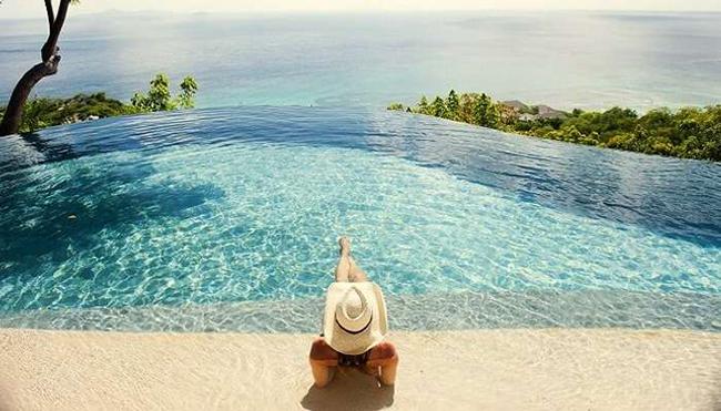 Đảo Mustique ở Tây Ấn: Hòn đảo tư nhân ở Tây Ấn này đã trở thành một địa điểm du lịch hấp dẫn nhất trên thế giới, và nó chắc chắn là một trong những hòn đảo sang trọng nhất với tầm nhìn ngoạn mục ra cảnh quan xung quanh.