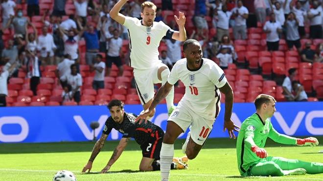 ĐT Anh thắng vất vả Croatia, triệu fan đòi nữ tướng Chelsea thay HLV Southgate - 1