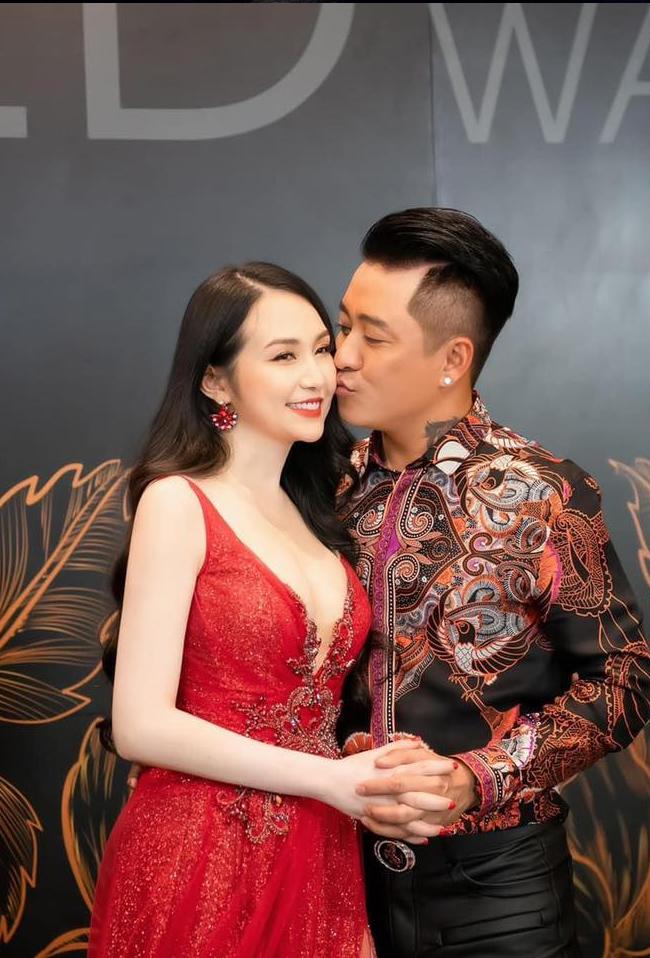 Trải qua 7 năm bên nhau, Tuấn Hưng và bà xã - Hương Baby đang có cuộc sống cực kỳ viên mãn cả về gia đình và sự nghiệp.