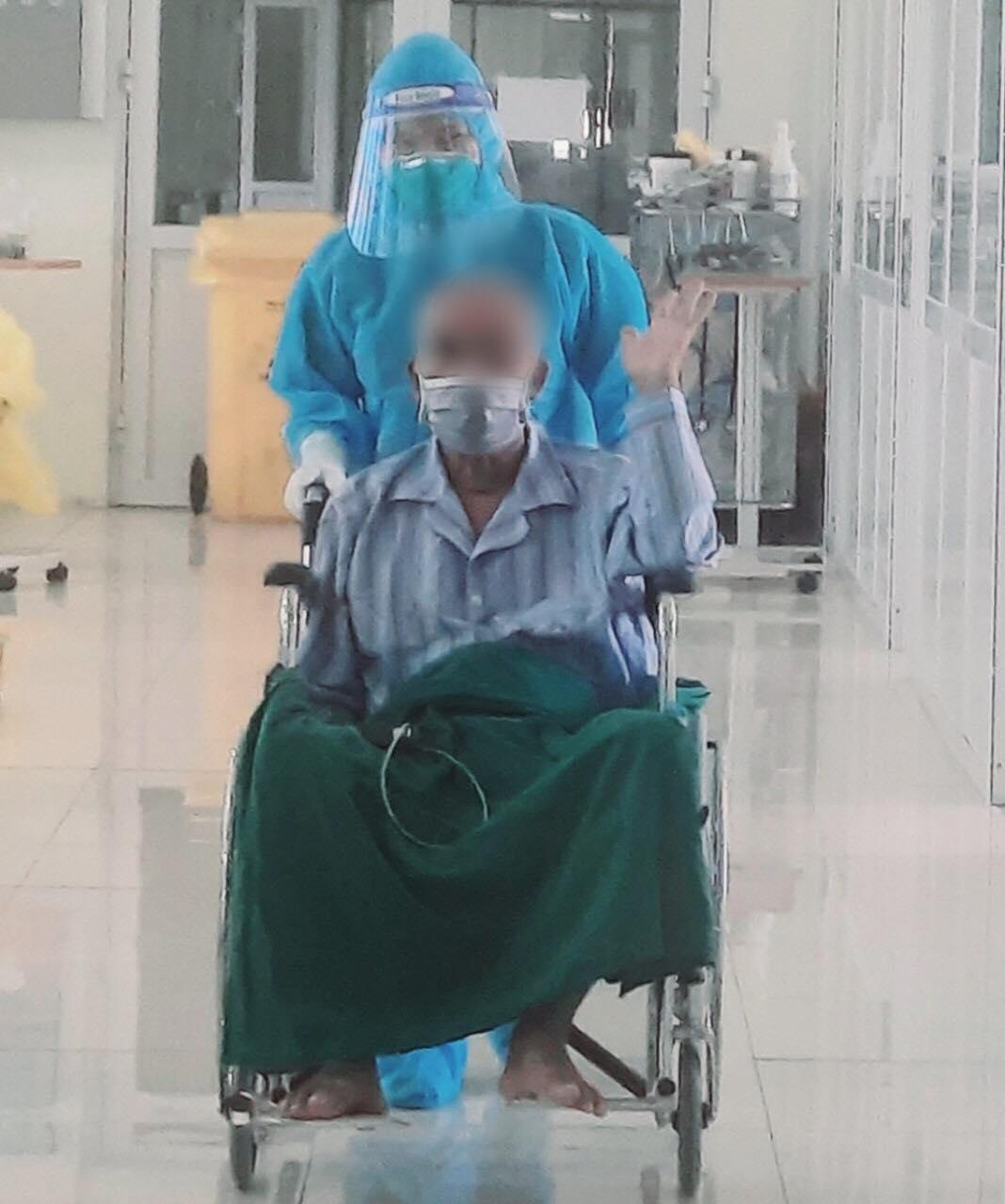 """Bệnh nhân COVID-19 nguy kịch được xuất viện sau 40 ngày """"thập tử nhất sinh"""" - 1"""