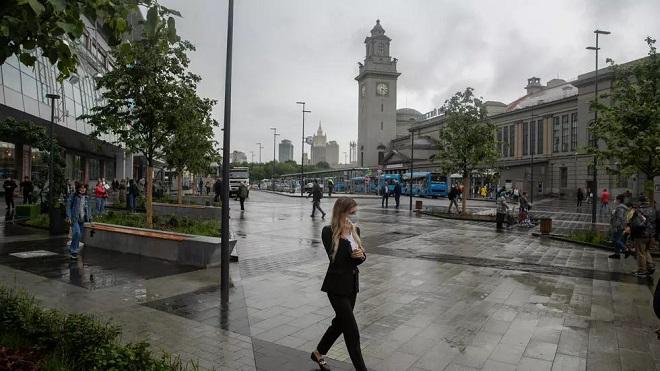 Thành phố Nga ghi nhận ca nhiễm Covid-19 tăng cao nhất, nguy cơ xuất hiện biến chủng mới - 1