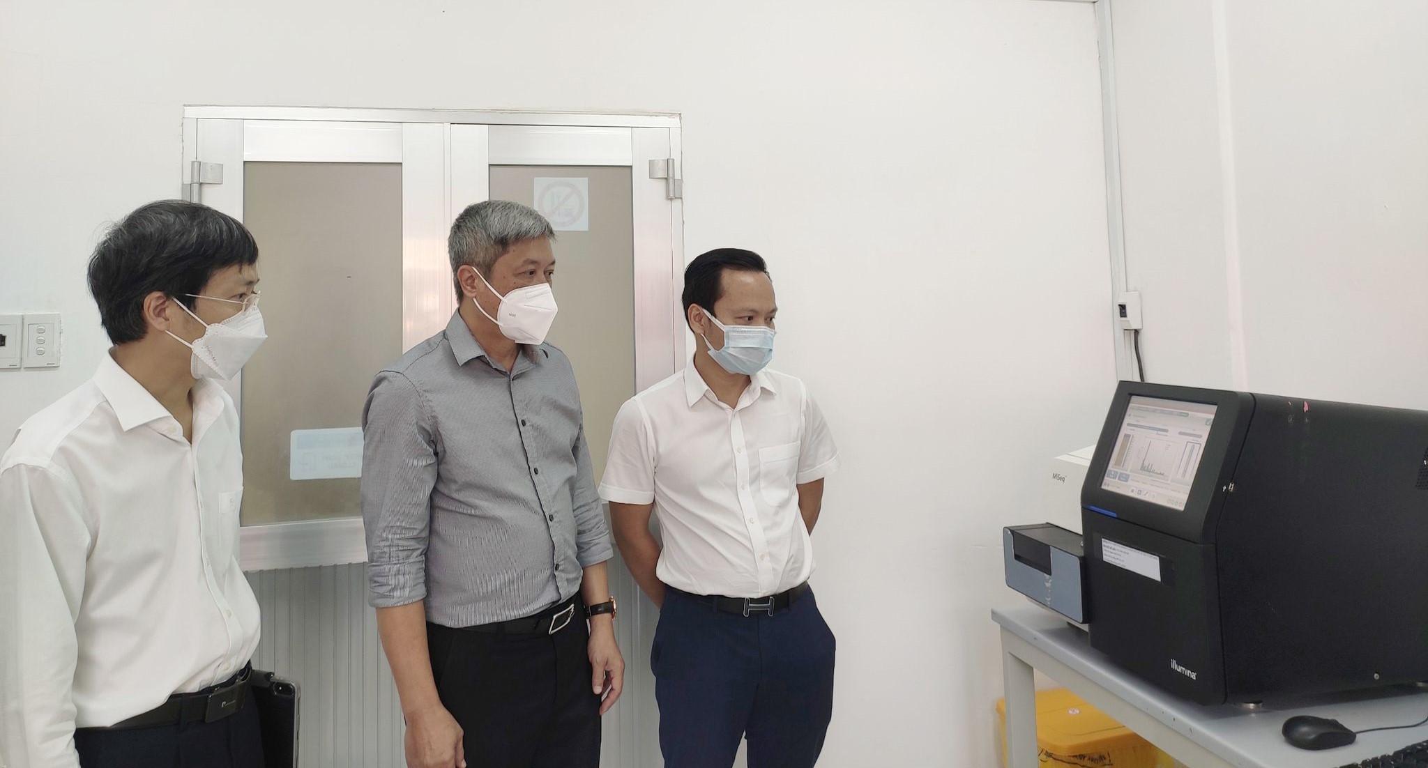 Viện Pasteur TP.HCM thực hiện 3.000 mẫu xét nghiệm SARS-CoV-2/ngày - 1