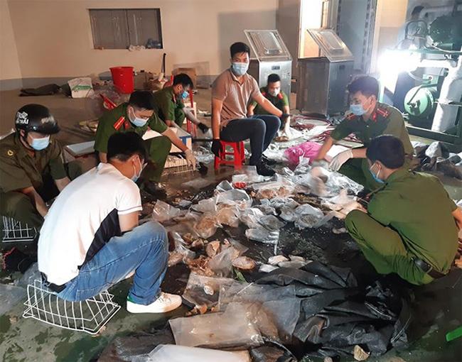 Tại khu Vinhome Riverside Long Biên, Hà Nội, Cục C04 đã khám xét căn nhà do Huang Yen Sheng thuê, thu giữ 5 bộ định vị do các đối tượng dùng để gắn vào ô tô vận chuyển ma túy để theo dõi tránh sự phát hiện của lực lượng chức năng.