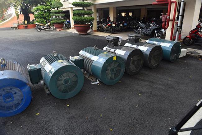 Từ tài liệu trinh sát, xác định các đối tượng đang cất giấu một lượng lớn chất ma túy trong các mô tơ điện, đang gửi ở công ty vận chuyển để đưa ra Hà Nội.