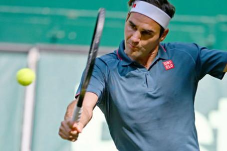 Federer ngán ngẩm sau trận thua sốc, hướng về mục tiêu số 1 ở Wimbledon