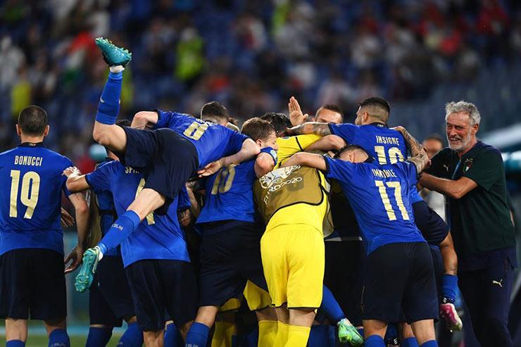 Cú sốc trận Italia – Thụy Sĩ tại EURO suýt bị đánh bom, nghi vấn Mafia phá hoại - 1
