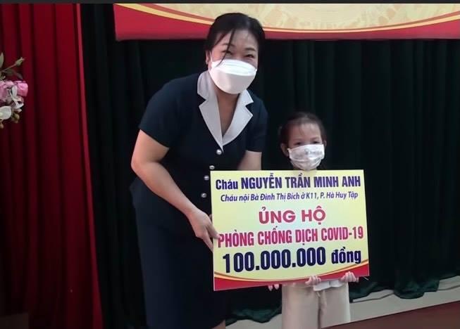 Bé gái 5 tuổi ủng hộ 100 triệu đồng phòng, chống dịch COVID-19 - 1