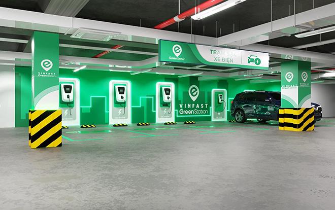 VinFast sẽ cung cấp bộ sạc tại nhà cho xe ô tô điện VF e34 - 1