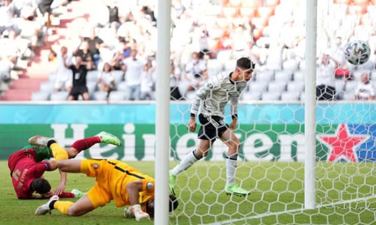 Video Bồ Đào Nha - Đức: Kịch tính 6 bàn, đỉnh cao ngược dòng (EURO) - 1