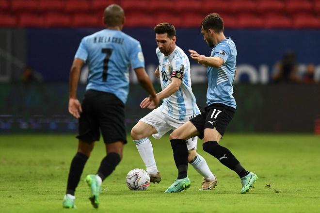 Messi qua người cực đỉnh: Đá 1 trận bằng thành tích Ronaldo tại 3 kỳ EURO - 1