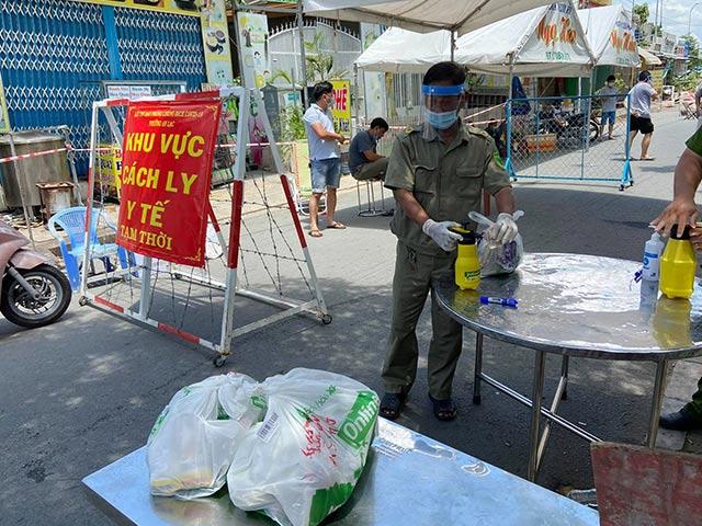 TP.HCM: Phong tỏa ba khu phố ở quận Bình Tân từ 0h đêm nay - 1