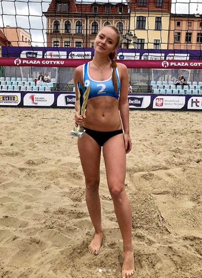 Olga Kobrin là một VĐV bóng chuyền xinh đẹp của Ukraina.