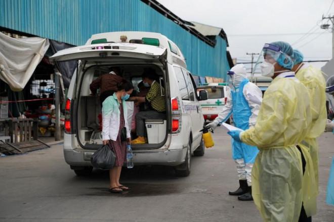 Campuchia ghi nhận số ca tử vong vì COVID-19 cao kỷ lục - 1