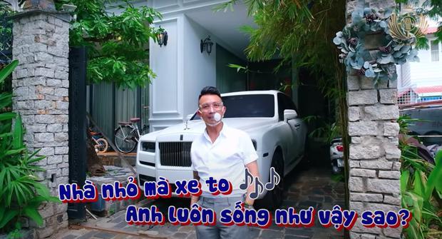 Đại gia Minh Nhựa tậu cả căn biệt thự Phú Mỹ Hưng chỉ vì thích một cái cây, để đậu xe - 1